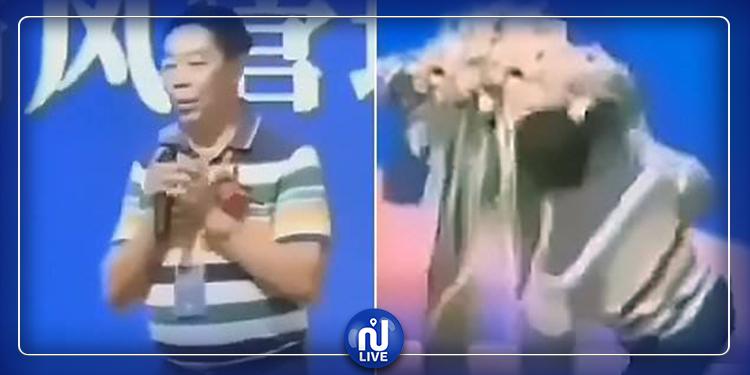 Un homme décède en donnant une conférence sur la longévité (Vidéo)