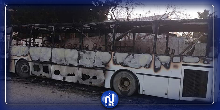بنزرت: حرق حافلة نقل حضري وتلمذي!