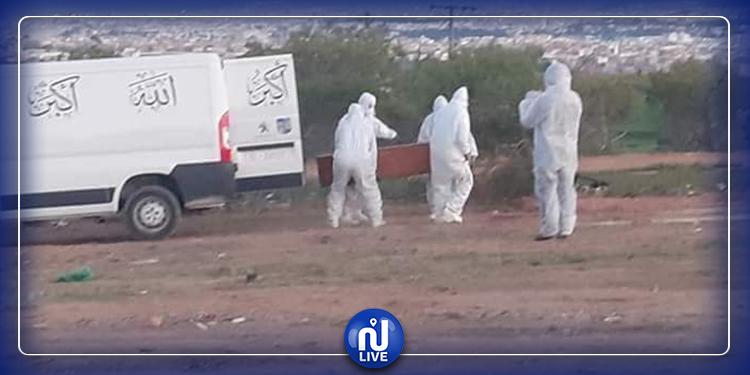 رئيس بلدية حي التضامن و3 مستشارين يتولون دفن متوفى بكورونا
