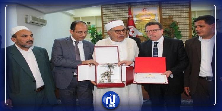 وزارة الشؤون الدينية تنعى الشيخ محمد الغرياني
