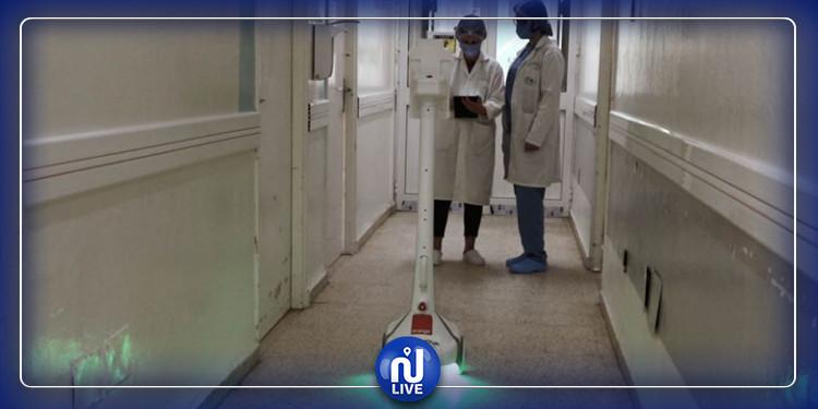 Un robot pour des visites virtuelles aux patients du Covid à l'hôpital Abderrahmane Mami