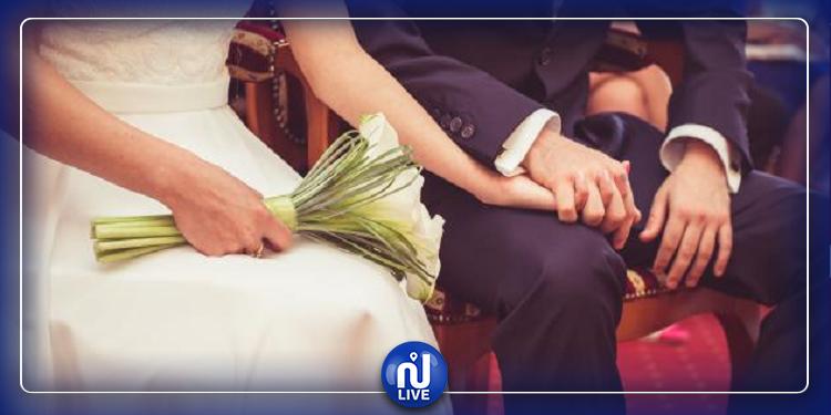 زواج بالصدفة.. عجوز بريطانية تتزوج من شاب تونسي إثر رسالة خطأ على فايسبوك