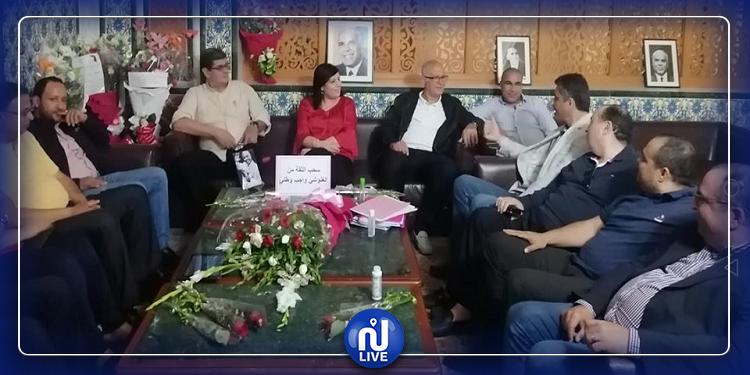 مجموعة من النواب تؤدي زيارة مساندة وتضامن مع كتلة الدستوري الحر