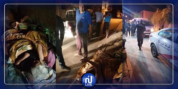 ماتت قلوبهم...يلقون بأمّهم العجوز في الشارع في ليل رمضان ويلوذون بالفرار!