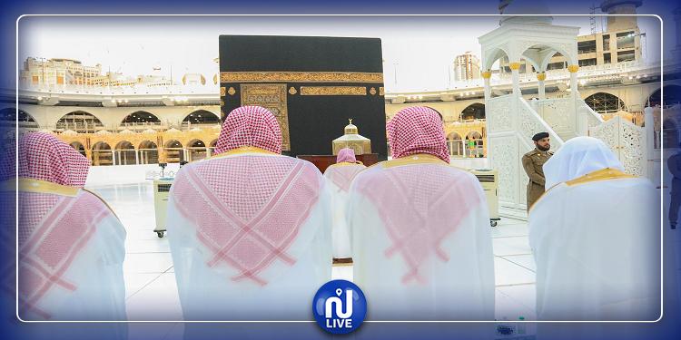 إقامة صلاة عيد الفطر في الحرمين (صور)