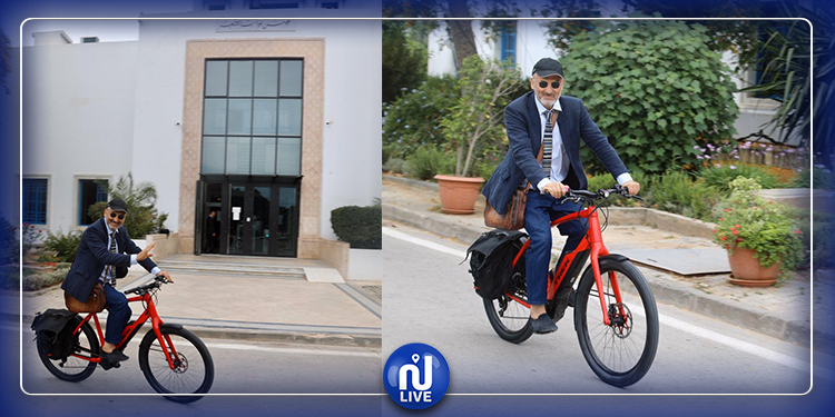 غازي القروي يتنقل إلى البرلمان على متن دراجة هوائية