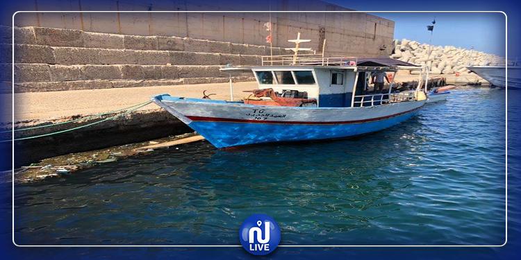 خفر السواحل الليبي يحجز مركب صيد تونسي