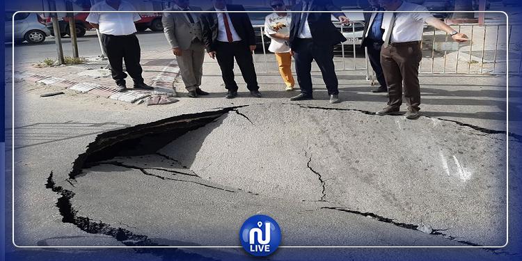 صفاقس: انهيار جزء من الطريق بمفترق السلطنية (صور)
