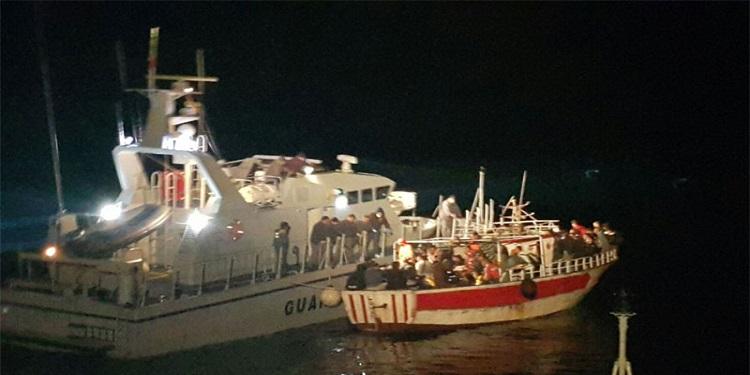 في ليلة واحدة: 253 تونسيا يصلون ''لامبيدوزا''