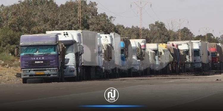 مئات الشاحنات عالقة بمعبر راس جدير: ديوان المعابر الحدودية يوضح