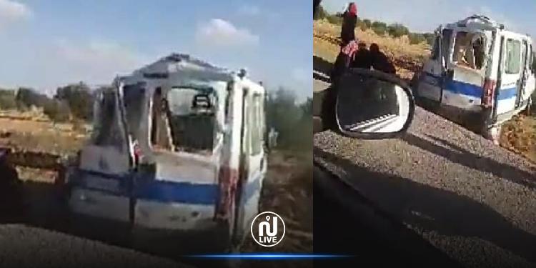 انقلاب سيارة إسعاف على متنها 5 مصابين بكورونا