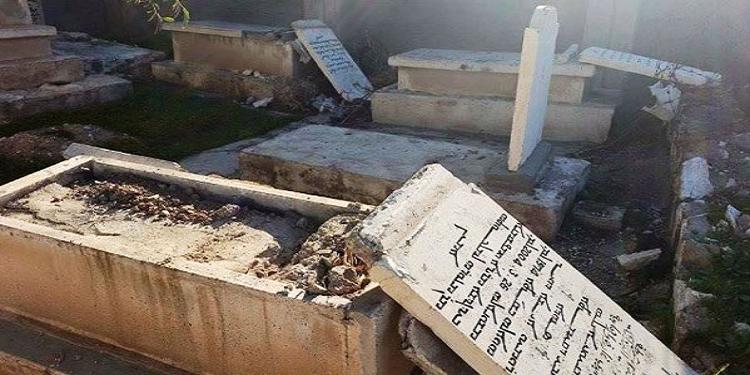العاصمة: القبض على شبّان هشّموا قبرا لسلب مصوغ متوفي!