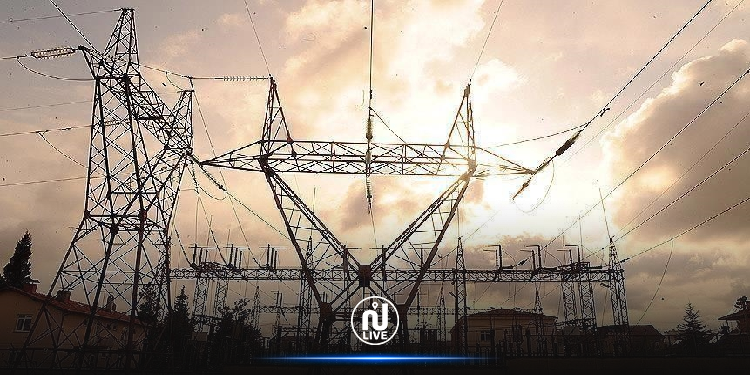 الجزائر تبدأ إمداد ليبيا بالكهرباء عبر الشبكة التونسية