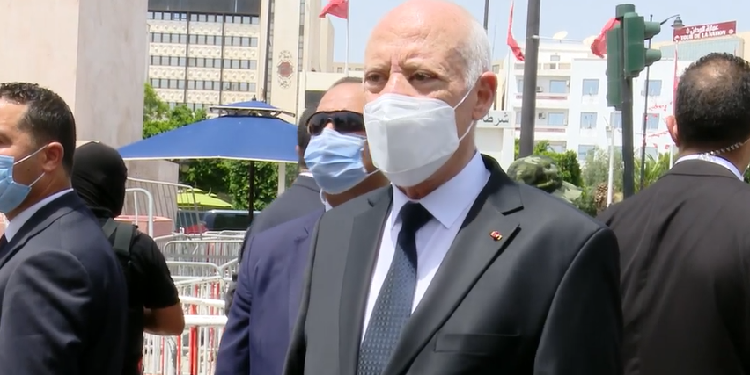 رئيس الجمهورية: تم الدفع بالشباب للهجرة بهدف ضرب الدولة وهذا المسار وللإساءة لعلاقات تونس