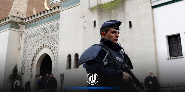 فرنسا تعتزم إغلاق 7 مساجد وجمعيات