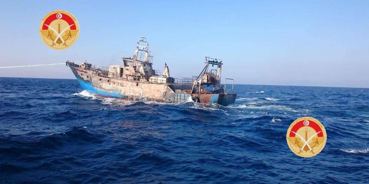 وحدة تابعة لجيش البحر تتمكن من انقاذ 12 مهاجرا غير شرعي