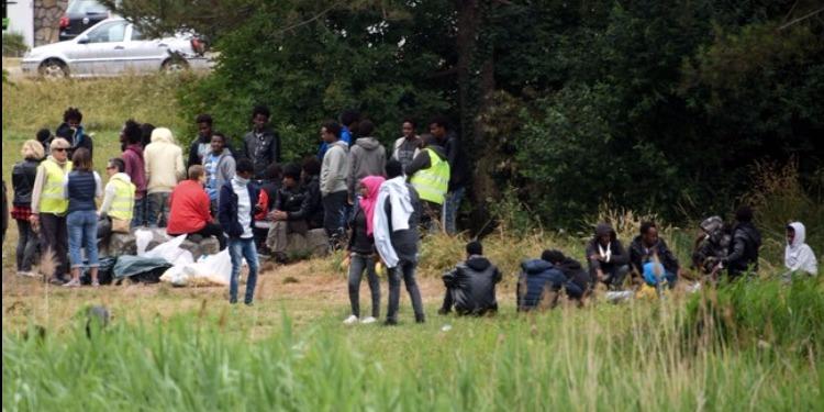 فرنسا: حكم قضائي يلزم حكومة ماكرون بتوفير المياه للمهاجرين في كاليه