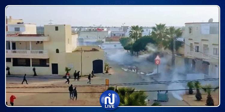 لليوم الثاني في سيدي بوعلي: تجدد المواجهات بين المحتجين والأمن