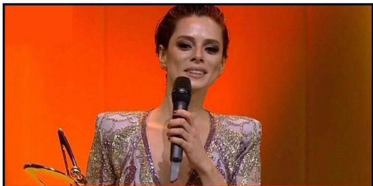 ''زينب'' تفوز بجائزة أفضل ممثلة كوميدية عندورها في مسلسل ''حبك درباني'' (صورة)