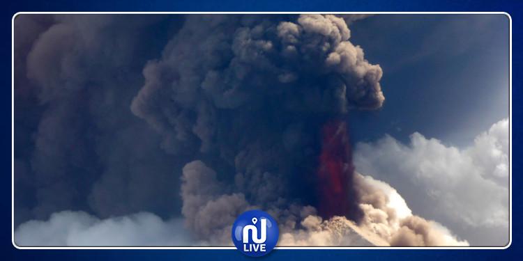 L'un des volcans les plus redoutés, gronde (vidéo)