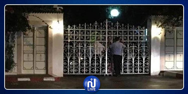 The Independent : Un hôtel tunisien prend en otage des dizaines de touristes britanniques