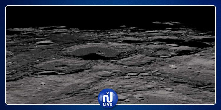 La glace d'eau sur la Lune, âgée de milliards d'années...