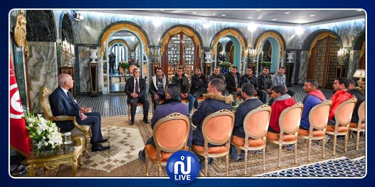 Le président de la République reçoit un groupe de jeune de Kasserine