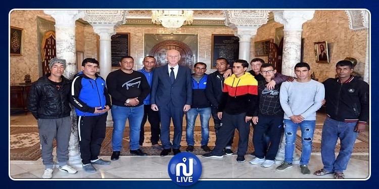 Kais Saied reçoit un groupe de jeunes du gouvernorat de Gafsa