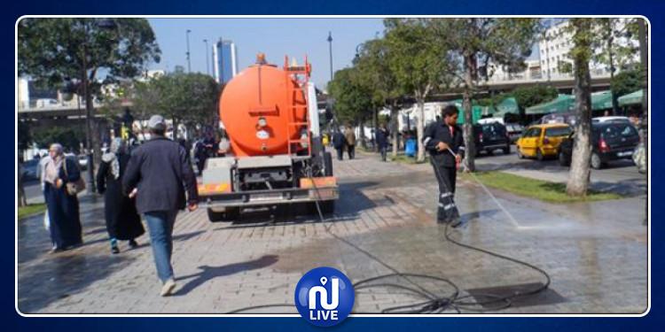 نقل أعوان نظافة مدينة تونس بواسطة شاحنة لنقل الفضلات: البلدية توضح