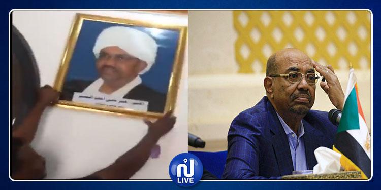 الشرطة السودانية تزيل إسم وصور عمر البشير