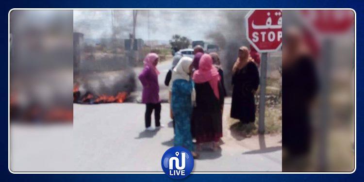 Jendouba : des habitants bloquent la route