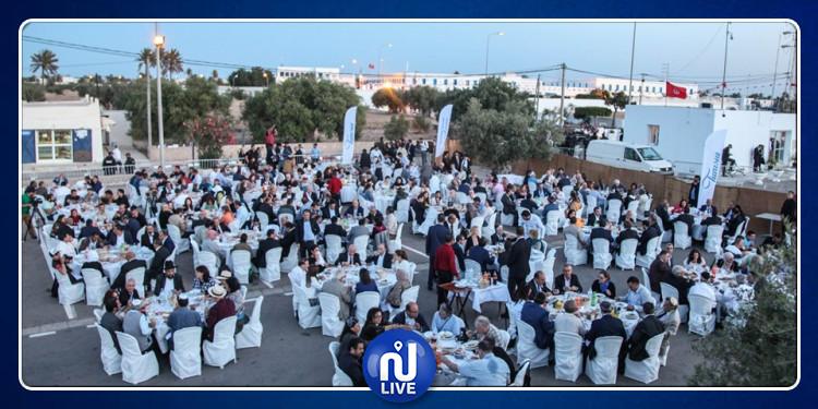 تونس أرض التسامح وتعايش الأديان: مأدبة إفطار جماعي بالغريبة