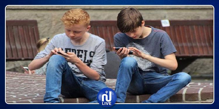 خبراء: الرسائل النصية  خطر على قدرة المراهقين في تطوير مهاراتهم اللغوية