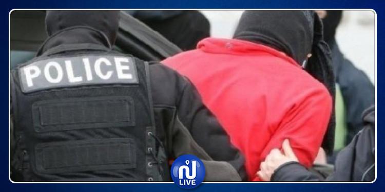 بنزرت: القبض على شاب بشبهة التخابر مع عناصر إرهابية
