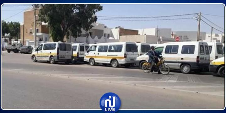 مدنين:  سائقو سيارات النقل الريفي يواصلون الاحتجاج