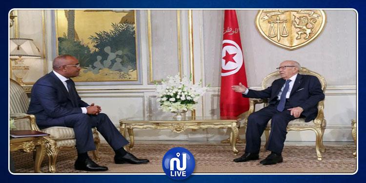 الوزير الأول الجزائري يعدد مناقب الرئيس الراحل الباجي قايد السبسي