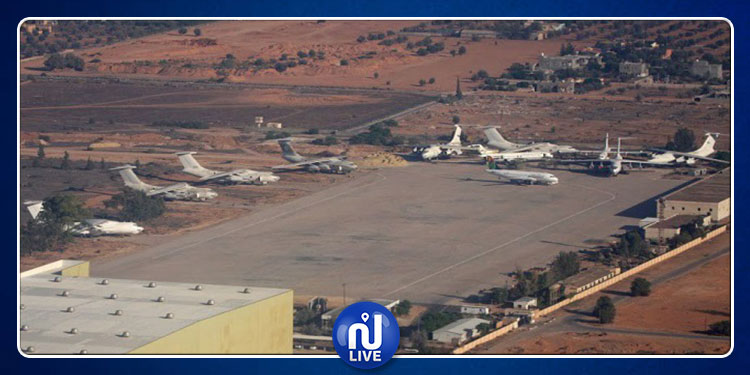 ليبيا: توقف الملاحة الجوية بمطار معيتيقة بعد تعرضه للقصف