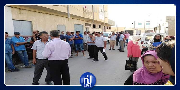 سيدي بوزيد: وقفة احتجاجية لعدد من النقابيين والأساتذة والسياسيين
