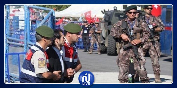 تركيا: اعتقال 223 عسكريا مباشرا للخدمة