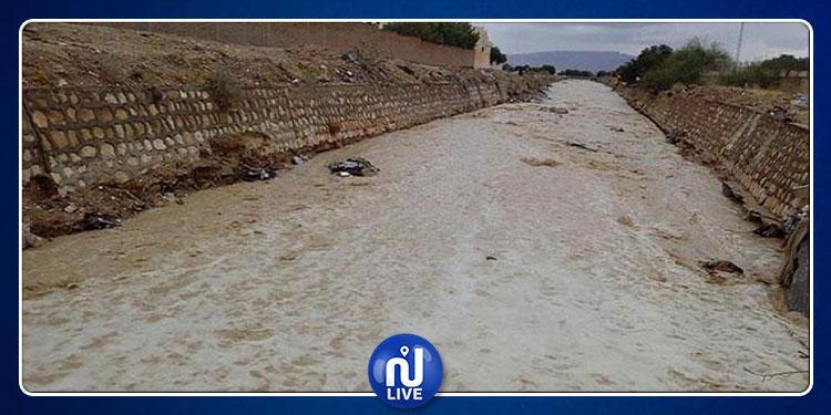 فيضان وادي تاسة: انقطاع الطريق الوطنية بين السرس والكريب