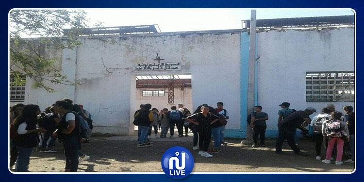 صفعتها قيّمة فحاولت الانتحار: تلاميذ إعدادية ابن شرف بمنزل بورقيبة يحتجون