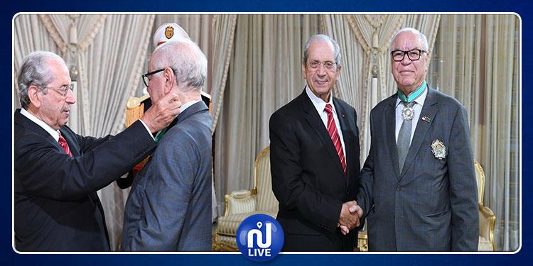 انتهت مهامه بتونس: محمد الناصر يمنح السفير الجزائري الصنف الأوّل من وسام الجمهورية