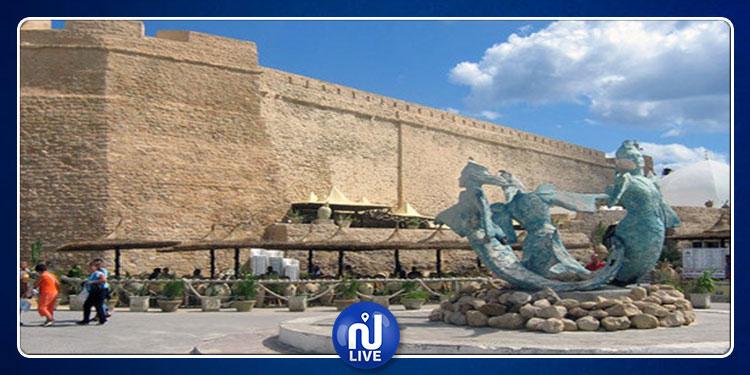 رصد 23 تجاوز خطير واعتداءات على البرج الأثري بالحمامات