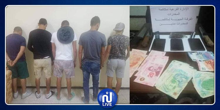 مدنين: مداهمة وكر لتجارة وتعاطي المخدرات