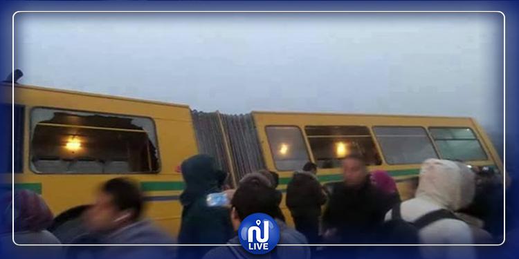 عاجل: براكاج لحافلة رقم 32 على مستوى محطة الرابطة (صور)