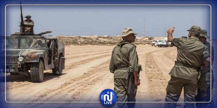 رمادة: حجز سيارة تهريب وإيقاف 3 تونسيين و7 أفارقة