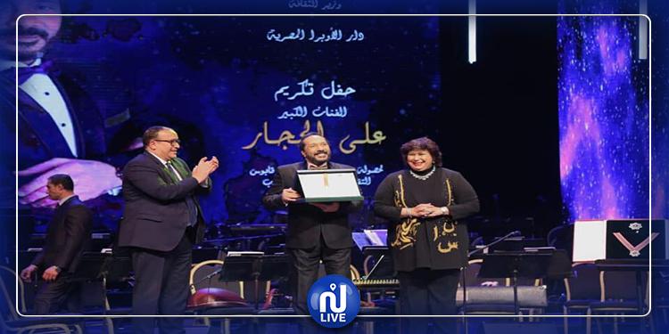 علي الحجار أول فنان مصرى يفوز بجائزة السلطان قابوس