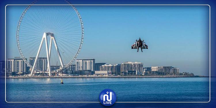 L'''homme avion'' s'envole au-dessus de Dubaï