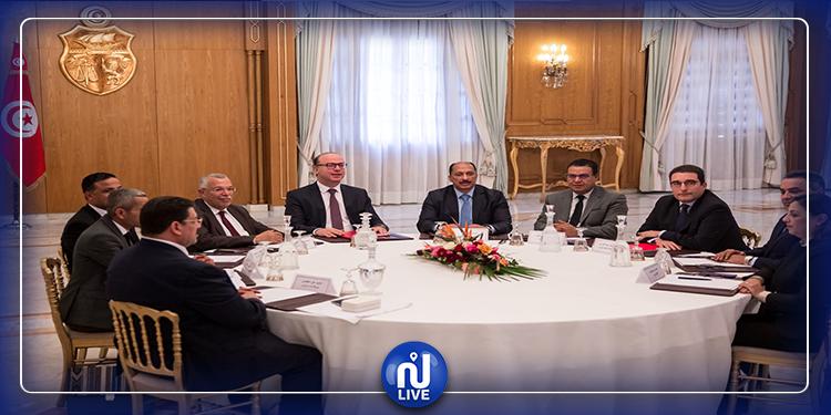قصر الضيافة: انتهاء الإجتماع دون المصادقة على الوثيقة التعاقدية للحكومة