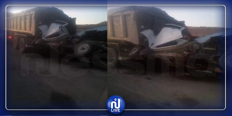 قفصة: اصطدام سيارة تهريب بشاحنة لنقل الفسفاط ووفاة شخص